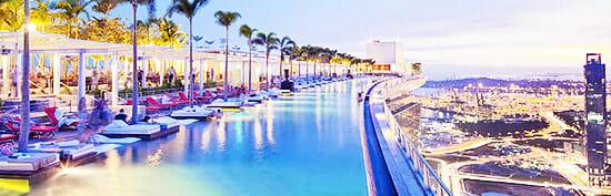 Skypark mit Pool am Dach des Marina Bay Sands